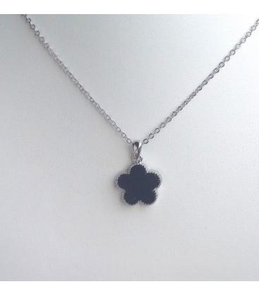 collier fleur pétale